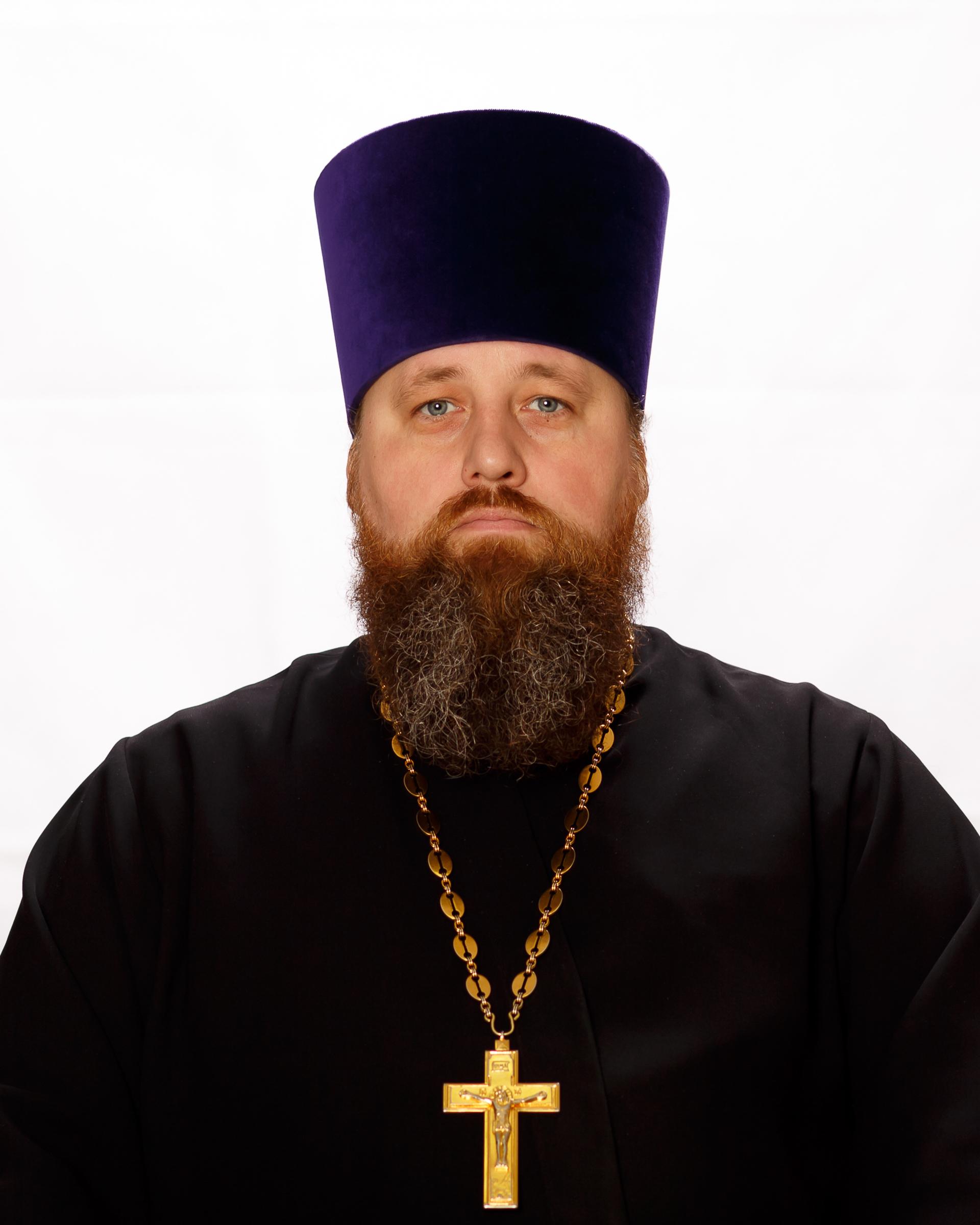 Роман Богатов