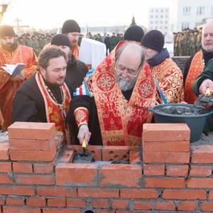 20171110 220 Закладка камня церкви в честь Бориса и Глеба Омск митр. Владимир (Иким) IMG_8543