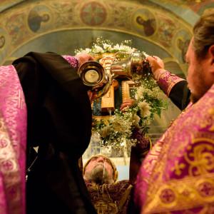 180926 048 Предпразднство Воздвижения Креста Господня Омск митр. Владимир (Иким) SIB_1167