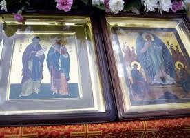 Митрополит Владимир совершил Божественную литургию в день памяти равноапостольных Мефодия и Кирилла
