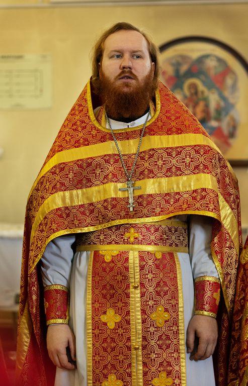 итургия в храме святого Апостола и Евангелиста Иоанна Богослова в храме Омской духовной семинарии(7)