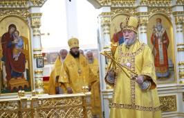 В день обретения мощей святителя Сильвестра митрополит Владимир совершил Литургию в Успенском кафедральном соборе