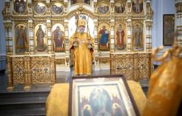 В день Собора Радонежских святых митрополит Владимир совершил Литургию в Успенском кафедральном соборе