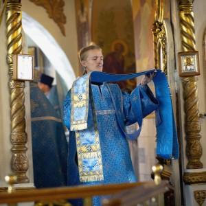 2020.07.21 Литургия в праздник Казанской БМ в Казанском Соборе(16)