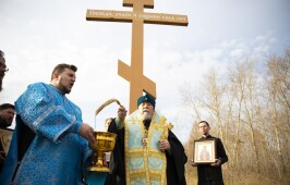 Митрополит Владимир совершил автомобильный крестный ход вокруг Омска
