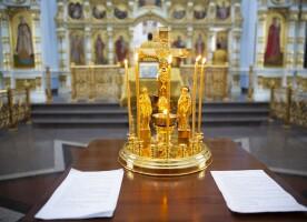 Верующие Омской епархии молитвенно помянули жертв дорожно-транспортных происшествий