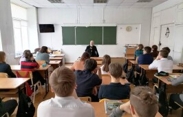 Встреча с обучающимися 9 класса школы № 77