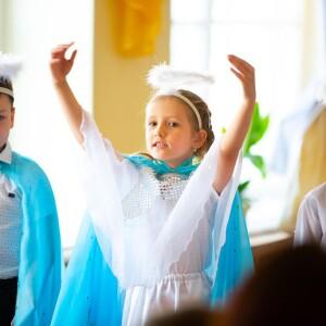 2021.05.07 поздравление с Пасхой в школе славянской письменности св. Кирилла и Мефодия(47)