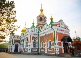 В день Антипасхи митрополит Владимир совершил Литургию в Казанском соборе