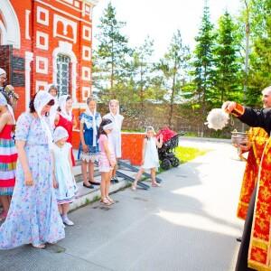 2021.05.23 высадка деревьев на приходе Николо-Игнатьевского храма(57) - копия
