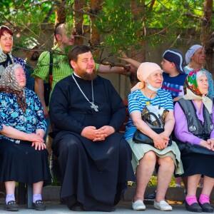 2021.05.23 высадка деревьев на приходе Николо-Игнатьевского храма(87)