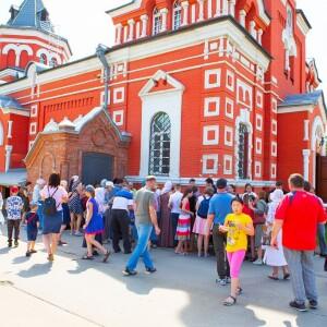 2021.05.23 высадка деревьев на приходе Николо-Игнатьевского храма(95)