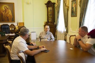2021.06.30 встреча митрополита Владимира с представителями московского фонда по привозу мощей(5)