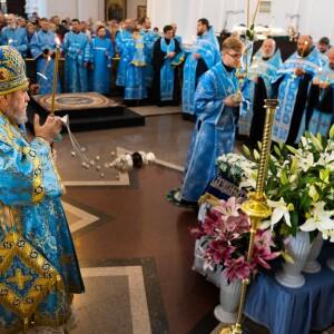2021.08.29 чин погребение Пресвятой Богородицы (4)