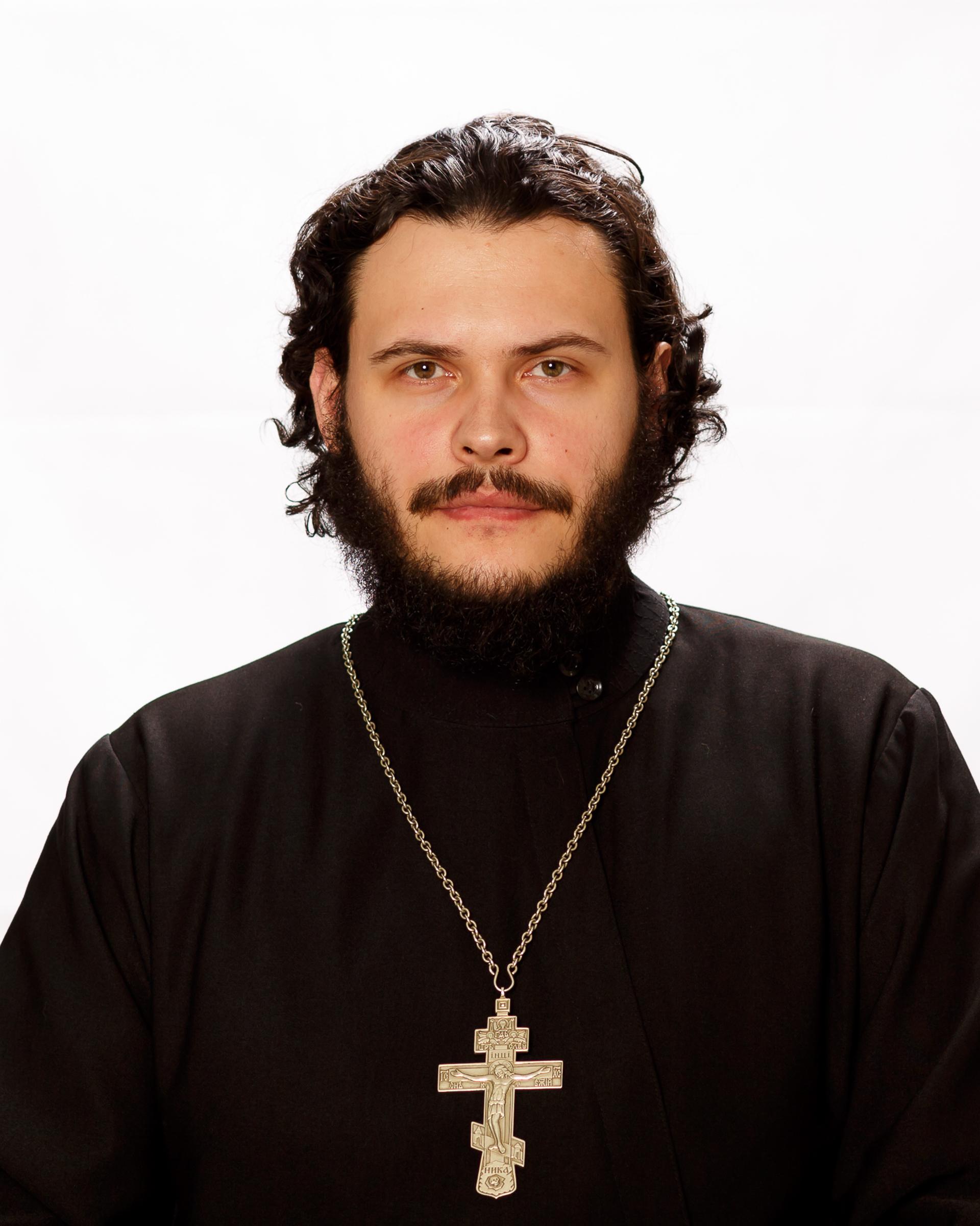 Николай Помогалов