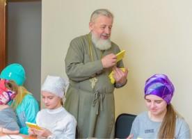 Прихожанок Казанского собора поздравили с днем Жен-мироносиц