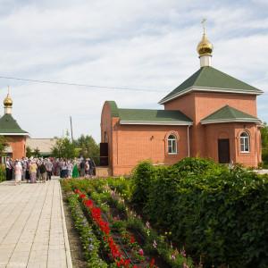 Освящение храма в Орловке митрополитом Омским и Таврическим Владимиром (27 из 55)
