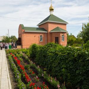 Освящение храма в Орловке митрополитом Омским и Таврическим Владимиром (28 из 55)