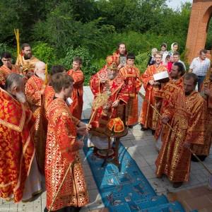 Освящение храма в Орловке митрополитом Омским и Таврическим Владимиром (30 из 55)