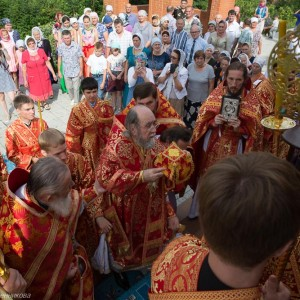 Освящение храма в Орловке митрополитом Омским и Таврическим Владимиром (31 из 55)