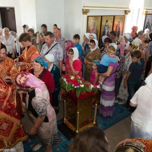Освящение храма в Орловке митрополитом Омским и Таврическим Владимиром (54 из 55)