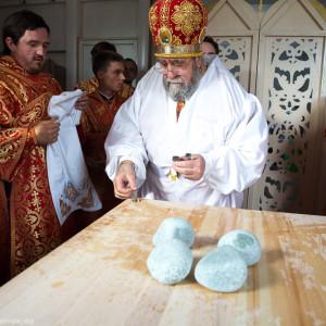 Освящение храма в Орловке митрополитом Омским и Таврическим Владимиром (8 из 55)