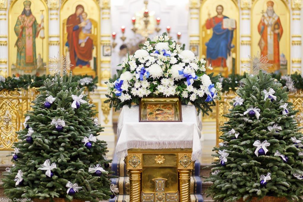 180106 001 Навечерие Рождества Христова Омск митр. Владимир (Иким) IMG_4276