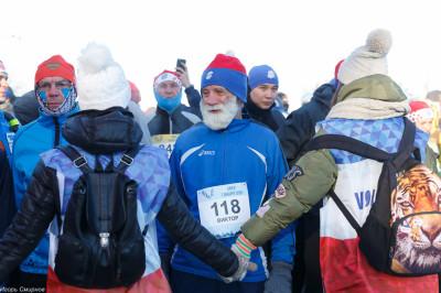 180107 024 Рождественский марафон Соборная площадь Омск митр. Владимир (Иким) IMG_5028