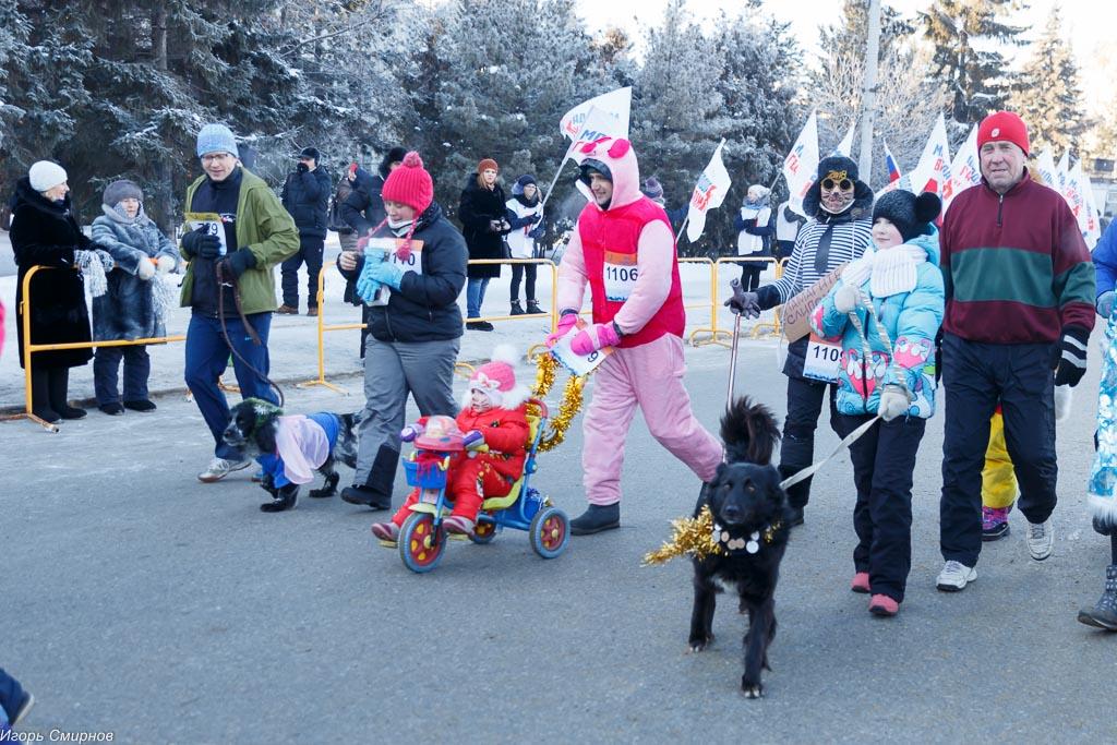 180107 033 Рождественский марафон Соборная площадь Омск митр. Владимир (Иким) IMG_5091