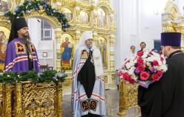 Священнослужители Омской митрополии разделили радость о родившемся Спасителе