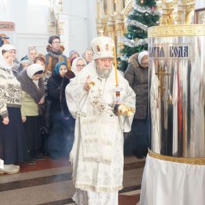 180119 027 Крещение Господа Собор Успения Омск митр. Владимир (Иким) IMG_9196