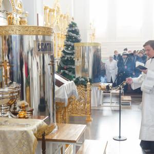 180119 033 Крещение Господа Собор Успения Омск митр. Владимир (Иким) IMG_9224