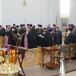 180225 201 Общеепархиальная исповедь Собор Успения Омск митр. Владимир (Иким) IMG_4612