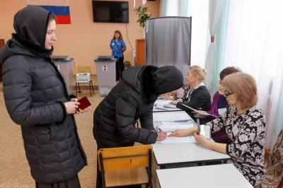 180318 015 Выборы президента РФ Омск митр. Владимир (Иким) IMG_7115