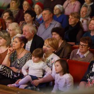 180409 033 Пасхальный концерт Музыкальный театр Омск митр. Владимир (Иким) IMG_1107