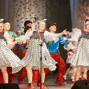 180409 044 Пасхальный концерт Музыкальный театр Омск митр. Владимир (Иким) IMG_1180