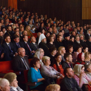 180409 050 Пасхальный концерт Музыкальный театр Омск митр. Владимир (Иким) IMG_1230
