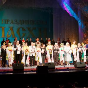 180409 082 Пасхальный концерт Музыкальный театр Омск митр. Владимир (Иким) IMG_1355