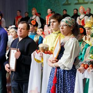 180409 087 Пасхальный концерт Музыкальный театр Омск митр. Владимир (Иким) IMG_1378