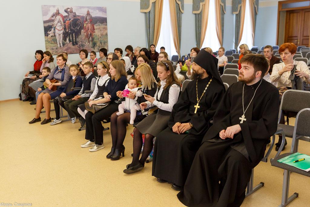 180529 013 Моя вера православная Cеминария Омск митр. Владимир (Иким) IMG_1497