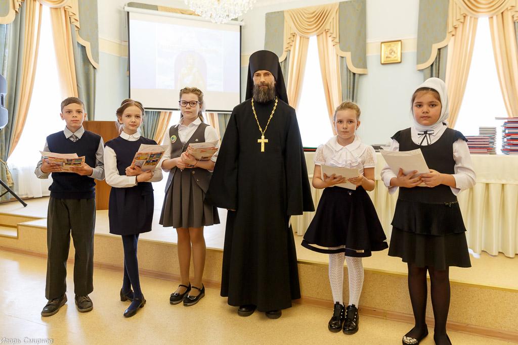 180529 051 Моя вера православная Cеминария Омск митр. Владимир (Иким) IMG_1620