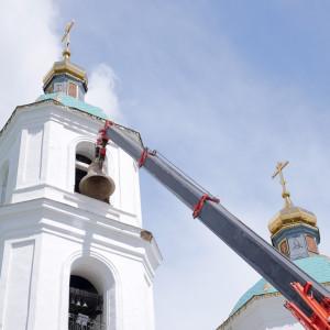180629 026 Чин освящения колоколов Омск митр. Владимир (Иким) P1033325
