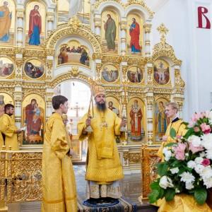 180729 024 Крестный ход Собор Успения Омск митр. Владимир (Иким) IMG_7973