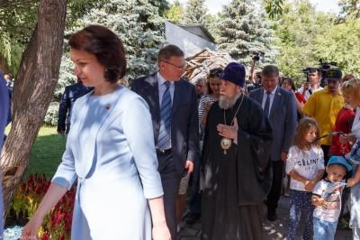 180803 020 Флора 2018 открытие Омск митр. Владимир (Иким) IMG_8787