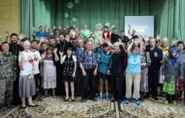 Прихожане Воскресенского собора посетили Екатерининский психоневрологический интернат
