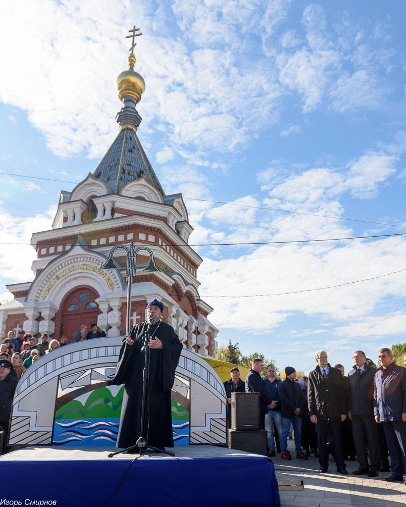 181003 256 Открытие Юбилейного моста Омск митр. Владимир (Иким) SIB_1782