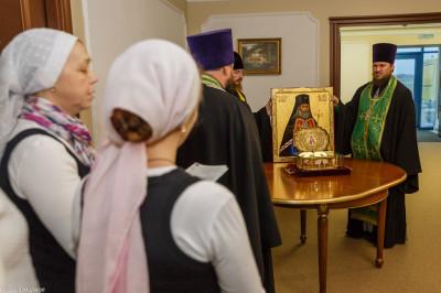181007 004 встреча ковчега с мощами святителя Луки Собор Успения Омск митр. Владимир (Иким) IMG_3322