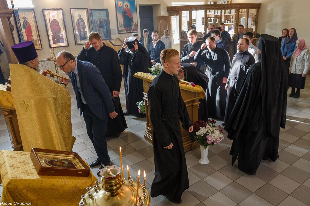 181009 034 Литургия Омская духовная семинария митр. Владимир (Иким) IMG_3658