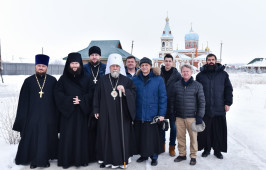 В Неделю по Богоявлении митрополит Владимир совершил Литургию в Свято-Никольском мужском монастыре с. Большекулачье