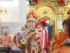 180408 038 Раздача благодатного огня Собор Успения Омск митр. Владимир (Иким) IMG_0745